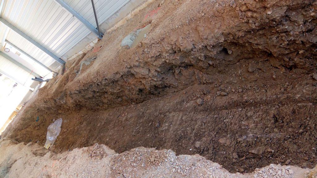 Fond de fosse de garage sans radier avec massif béton