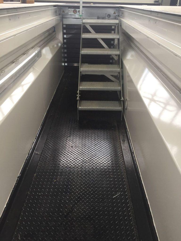 escalier conçu pour cric fond de fosse