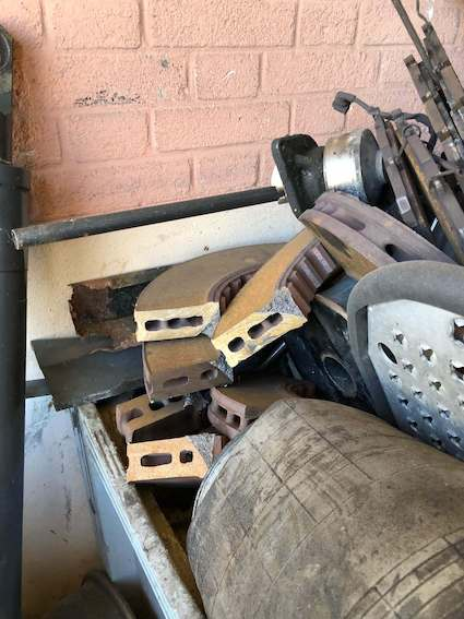 freins à disques Volvo découpé à la meuleuse