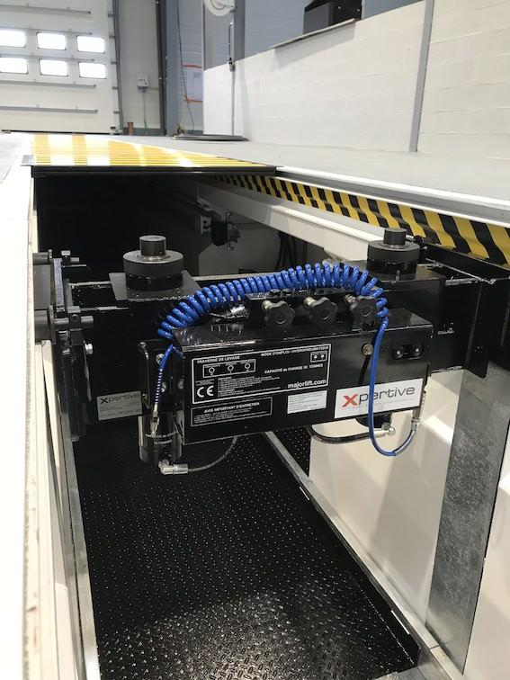 cric pour levage véhicule lourds en fosse de garage