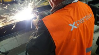 soudure chemin de roulement pour rideau de fosse en aluminium